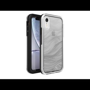 NEW IPHONE XR LIFEPROOF CASE